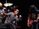 Sao sốc vì giọng ca chính nhóm Linkin Park tự tử