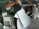 Ráo riết truy tìm chủ lô hàng máy lạnh ở Sài Gòn