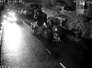 Truy tìm nhóm đối tượng chém 2 thanh niên giữa đường phố
