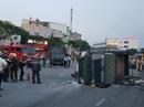 Ô tô 7 chỗ tông ngã xe chở cảnh sát khIến 2 chiến sĩ bị thương