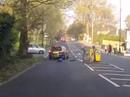 Clip: Bé trai thoát chết thần kỳ sau cú lao xe scooter vào ôtô