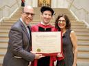 Ông chủ Facebook nhận bằng Harvard sau 12 năm bỏ học