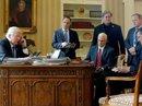 Nhà Trắng thay đổi chóng mặt sau 7 tháng