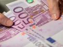 Người phụ nữ bí ẩn xả hàng chục ngàn euro xuống bồn cầu
