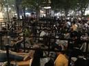 Xếp hàng mua iPhone X: 3 triệu một chỗ ngồi không bán