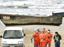 """""""Tàu ma"""" nghi của Triều Tiên trôi dạt với 8 thi thể"""