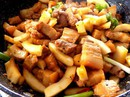 Thịt kho dừa non béo bùi khỏi chê