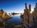 Ngỡ ngàng trước vẻ đẹp lạ lùng của những tháp đá