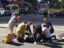 Úc: Xe điên lao vào đám đông, hất tung người đi bộ hàng loạt