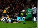 Giroud ghi bàn phút cuối, Arsenal nhọc nhằn vượt vòng 3 FA Cup