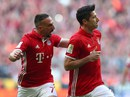 Lewandowski lập cú đúp, Dortmund trắng tay trước Bayern Munich
