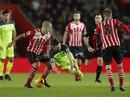 Gục ngã trước Southampton, Liverpool gặp khó ở League Cup