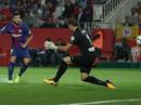 Hai pha đá phản, Girona thua đậm Barcelona