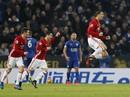 Leicester suy sụp, Man United áp sát tốp 5