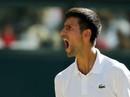 """Djokovic lạnh lùng thoát hiểm, Federer chờ đối đầu """"tiểu Federer"""""""
