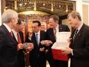 """Trung Quốc tìm cách """"mua"""" nghị sĩ Mỹ"""