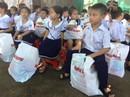 Trung thu sớm cho trẻ em biển đảo Khánh Hòa