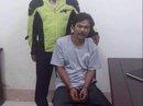 Bị bắt trước mặt vợ con sau 24 năm giết người