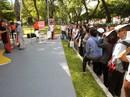 """Xếp hàng """"săn"""" tour giá rẻ tại Ngày hội du lịch TP HCM"""