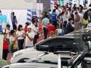Đông nghẹt người đi chợ ô tô giá rẻ