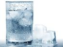 Sự thật uống nước lạnh sau ăn có hại tim?