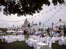Nghĩ về những đám cưới sang chảnh