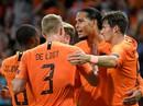 """Địa chấn Nations League, """"lốc da cam"""" Hà Lan cuốn phăng """"xe tăng"""" Đức"""