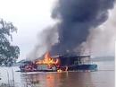 Tàu dầu đậu trên sông Tiền phát nổ, con rể chủ tàu thiệt mạng