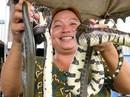 Chợ rắn gần biên giới Campuchia tấp nập mùa nước lũ
