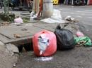 Ai cũng muốn sống trong môi trường sạch nhưng sẵn sàng ném rác ra đường