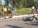Xe máy đấu đầu kinh hoàng, 2 người chết tại chỗ
