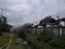 15 giờ cháy âm ỉ, kho chứa củi và dăm gỗ 3.000m2 bị thiêu rụi
