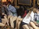 Đột kích nhà hàng có giang hồ bảo kê, tiếp viên bán dâm cho khách
