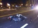 Chạy xe máy tông 2 nữ sinh, 3 người thương vong