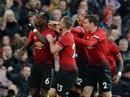 """Sút phạt đền """"dị"""", Pogba suýt thành tội đồ của Man United"""