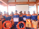 Vượt sóng dữ cứu 11 ngư dân gặp nạn trong đêm