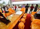 """""""Choáng"""" với bộ bàn ghế đá quý giá 8 tỷ tại Hà Nội"""