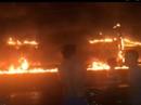 Xe bồn chở xăng gây cháy như núi lửa, ít nhất 6 người thiệt mạng