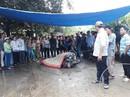 Người đàn ông bị điện giật chết oan: Do mưa gió, tàu dừa va đập đứt dây!