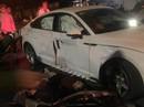 """2 xe máy đi """"bão"""" tông xế hộp Audi lúc rạng sáng, 4 người thương vong"""