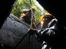 Phóng sự ảnh: Cùng công nhân thoát nước đua với triều cường