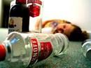 Cần làm gì khi bị ngộ độc rượu?