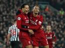 """Không """"tặng quà"""" cố nhân, Liverpool đè bẹp Newscatle ở Anfield"""
