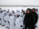 Ukraine điều quân tới biên giới với Nga