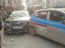 """Xe Camry """"điên"""" tông hàng loạt xe máy, ô tô khiến nhiều người bị thương"""