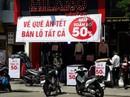 Đà Nẵng: Ế ẩm trưa 30 tết, xả hàng giảm 50%