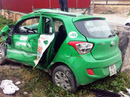 Tàu hỏa tông xe taxi Mai Linh, tài xế tử vong trong xe