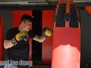 """""""Nam vương"""" boxing Việt sẵn sàng đấu võ sư Flores"""