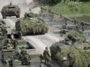 """NATO """"lên gân"""" với Nga"""