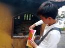 """Vẫn """"vô tư"""" đốt vàng mã ở chùa dù có khuyến cáo không đốt"""